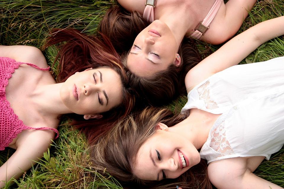 Les avantages d'avoir des groupes d'amis