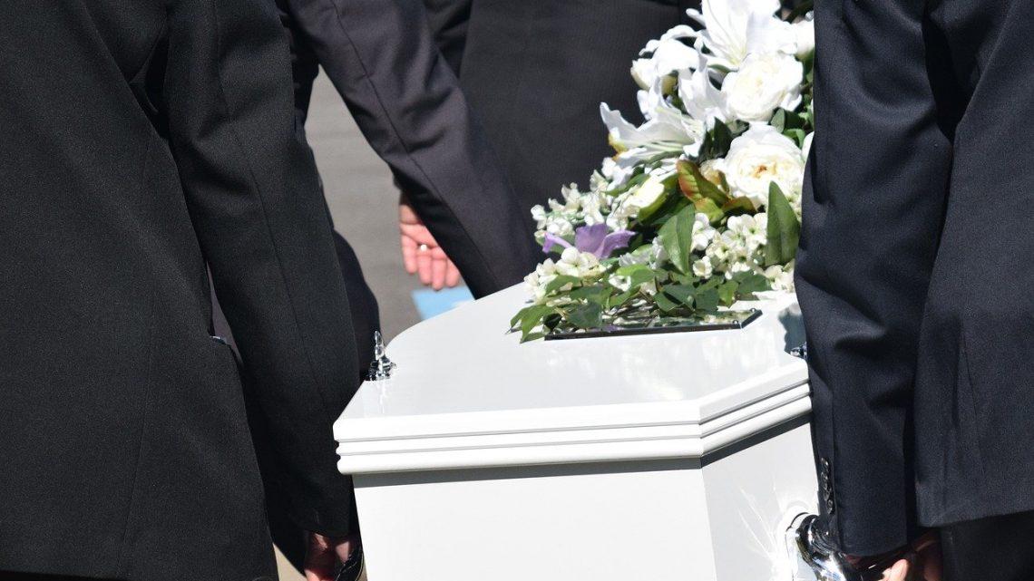 Comment fonctionnent les sociétés de pompes funèbres?
